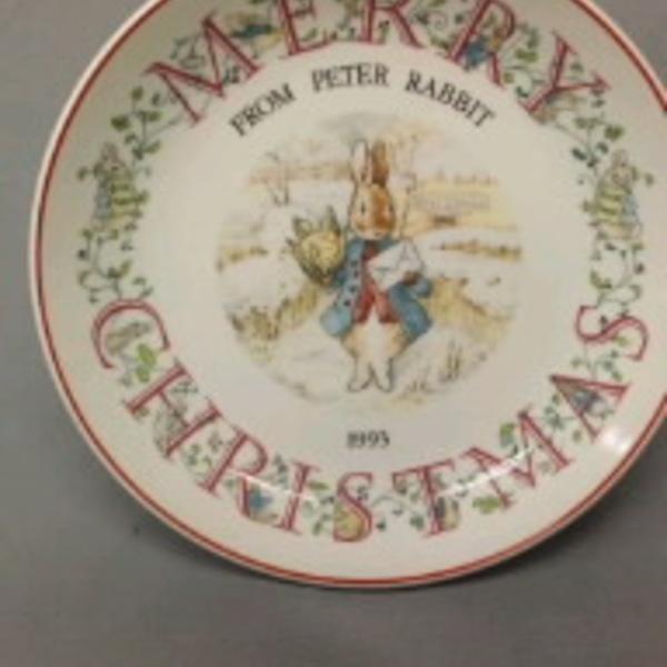 新品 Wedgwood ピーターラビット クリスマスプレート1993 3,500円