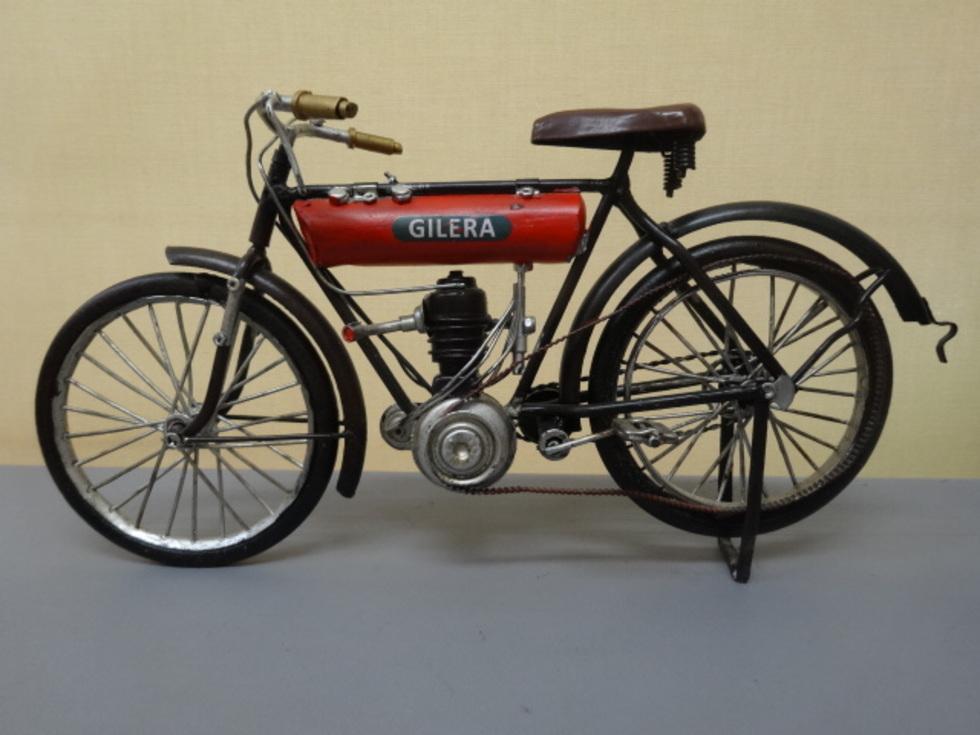 アメリカ雑貨 アンティーク調 ブリキのバイク GILERA ¥6380のサムネイル